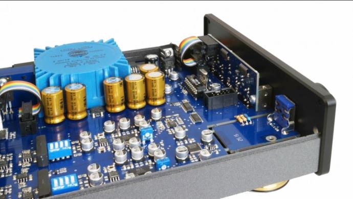 Violectric V850 6
