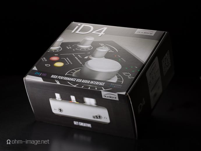 Audient iD4 box-1