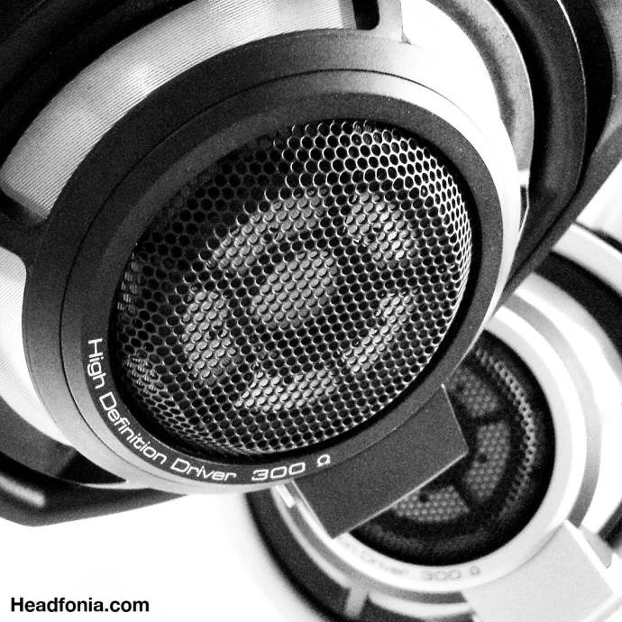 review sennheiser hd800s the new kid in town headfonia headphone reviews. Black Bedroom Furniture Sets. Home Design Ideas