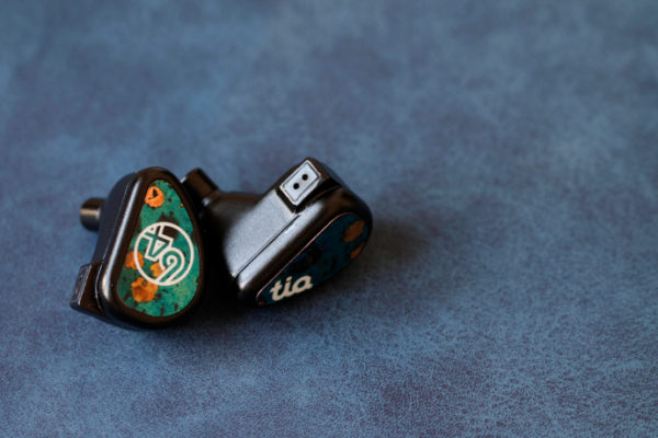 64 Audio Fourté Noir
