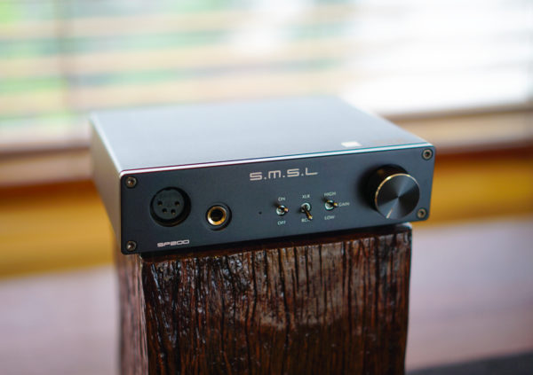 SMSL SP200 THX AAA 888 headphone amplifier