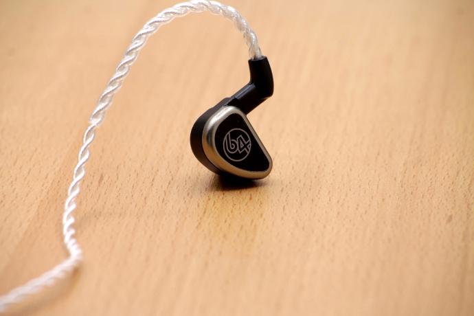 64 Audio Premium Cable