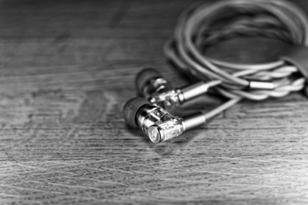 ddhifi-janus-e2020a-iem-headfonia-review-18